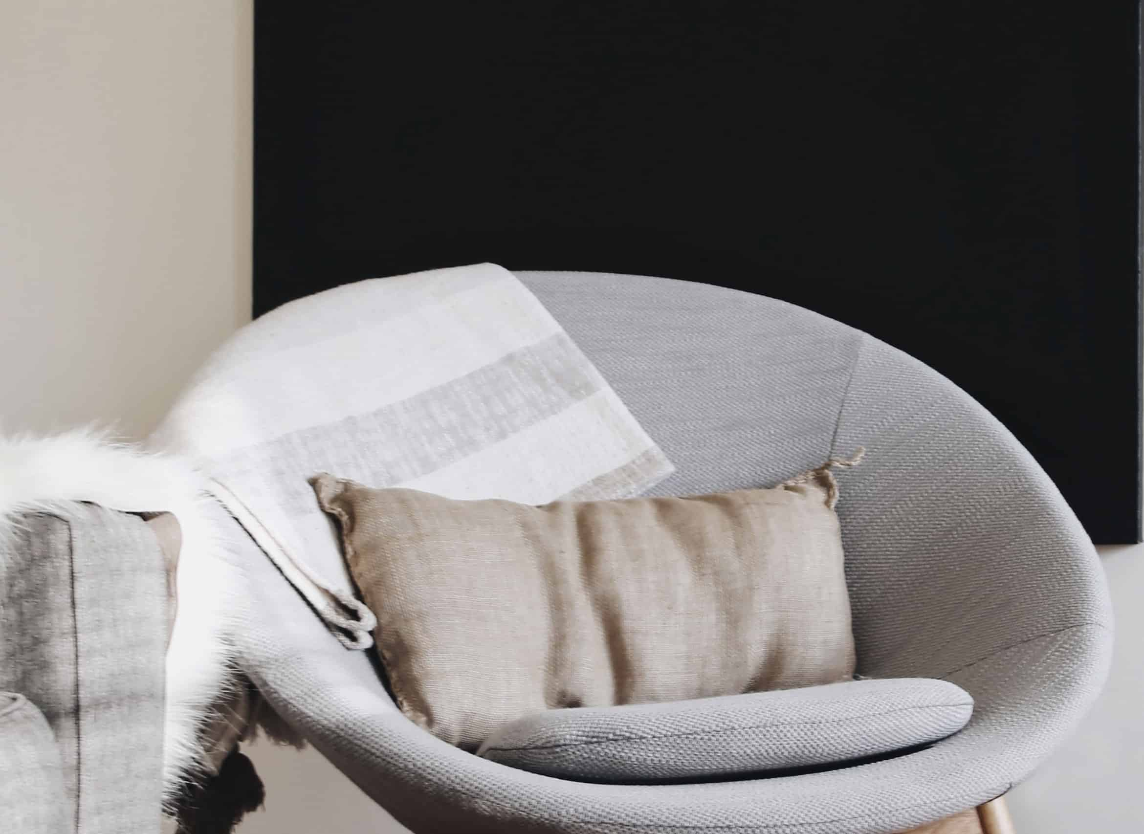 best-cozy-oversized-folding-saucer-chairs-for-adults